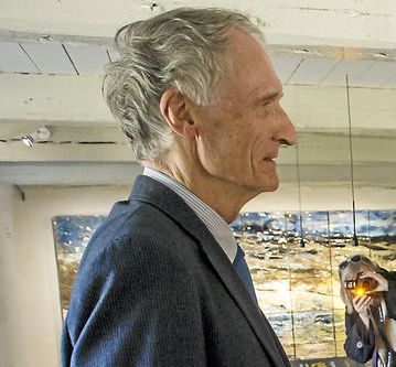 Bertel Haarder in profile at the opening of the newly renovated Lejre Museum