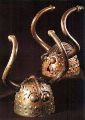 Two horned bronze helmets foundin Veksø Mose