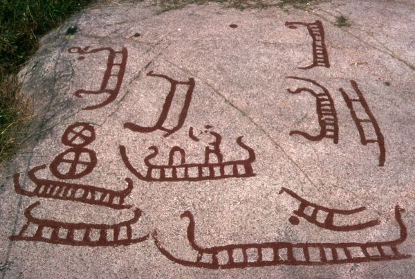 Rock carvings with ships at  Blåholt Huse on Bornholm