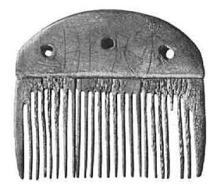 Horn comb from Vimose with the inscription Harja