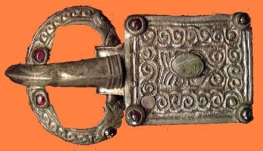 Gothic belt buckle of silver found in Italy