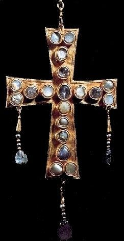 Gothic gold cross found in Spain