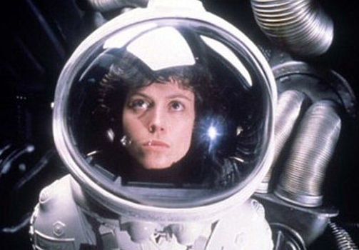 Sigourney Weaver as Ripley i Alien
