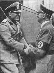 Hitler and Mussolini meet at Brenner