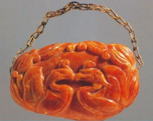 amulet from Princess Chen's tomb of Baltic amber