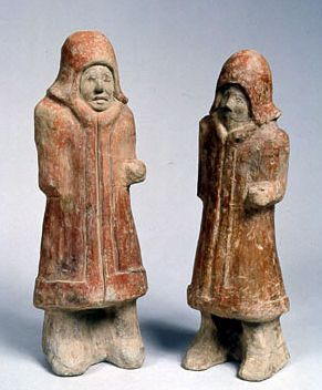 Two  Xianbei figures found near Ningxia, they have a typical Xianbei dress