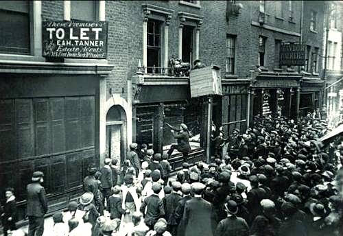 English mob plunder a German-owned shop in London in 1914